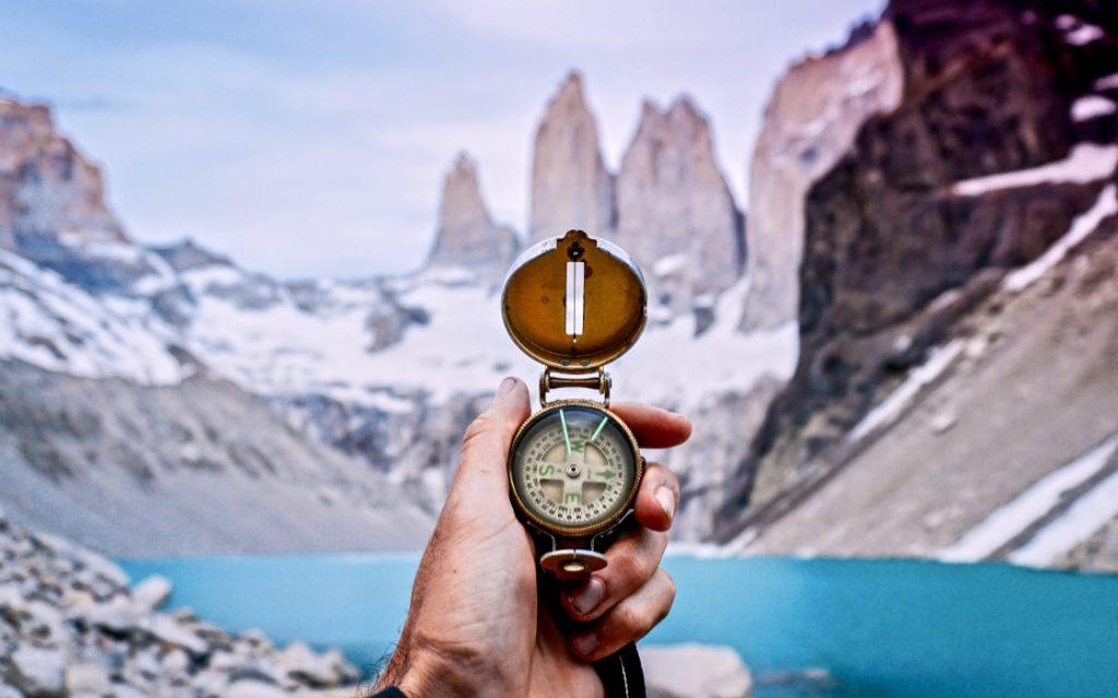 Persönlichkeitsentwicklung Definition erklärt durch einen Kompass