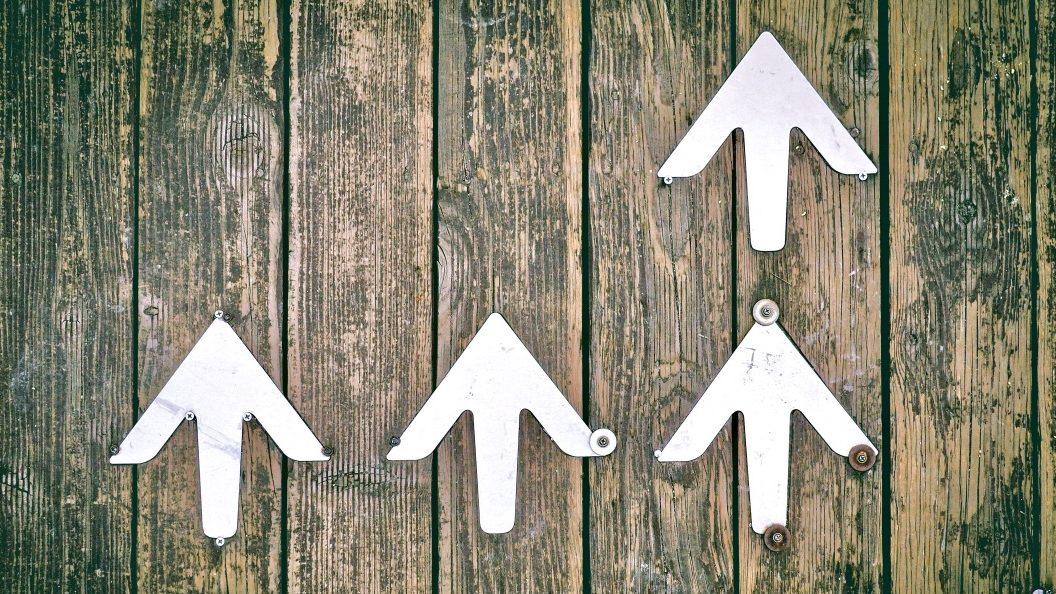 Was ist Erfolg beschrieben durch Pfeile, die nach oben zeigen