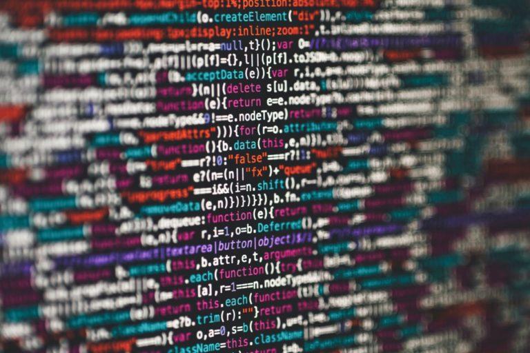 Entscheidungen treffen beschrieben durch Programmiersprache bezeichnend für die Informationen, die wir verarbeiten.